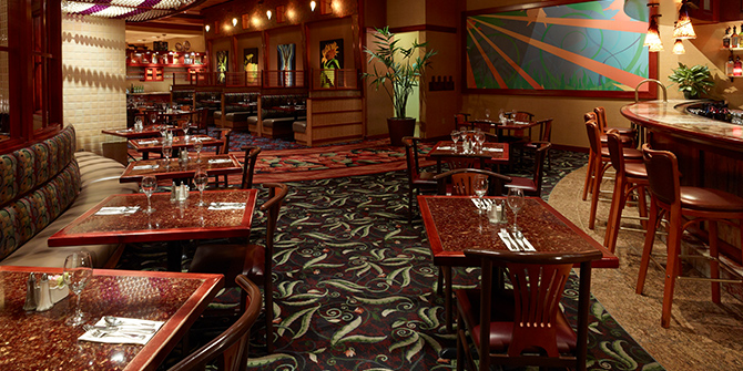 Three Sisters Café dining room at Seneca Niagara Resort & Casino