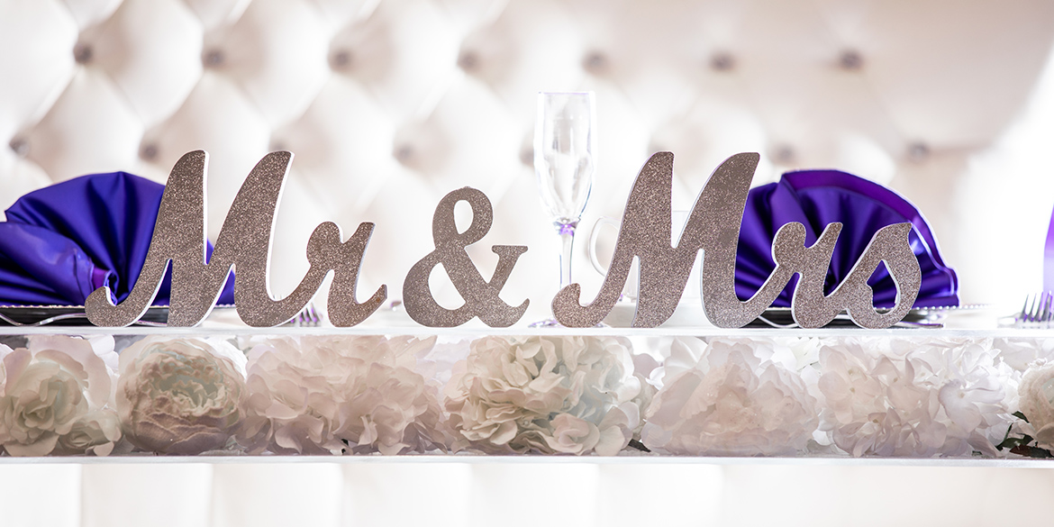 Photo of Mr. and Mrs. table arrangement